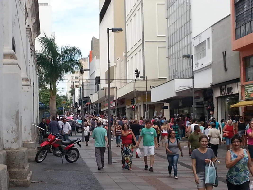 """Vereadores aprovam lei que estabelece regras para troca de produtos tido como """"essenciais"""""""