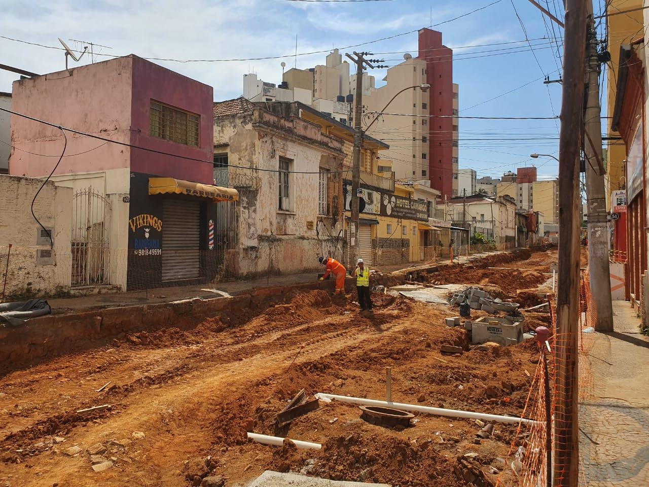 Obras do BRT faz desvios na Avenida Andrade Neves em Campinas