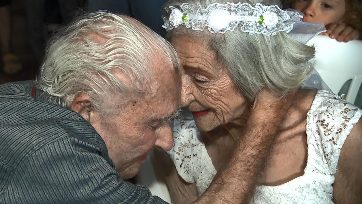 Amor não tem idade: casal de 100 e 96 anos se unem em Campinas com muito afeto