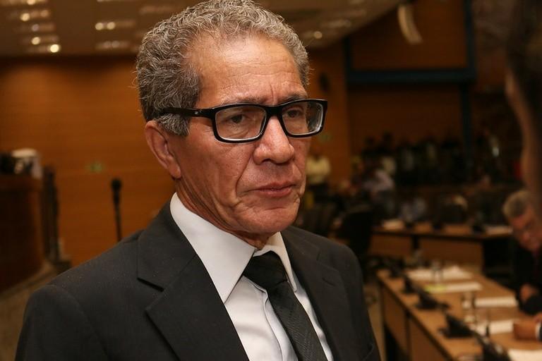 """Vereador Edson Ribeiro diz que mulheres deixam filhos nas creches para """"irem fofocar"""""""