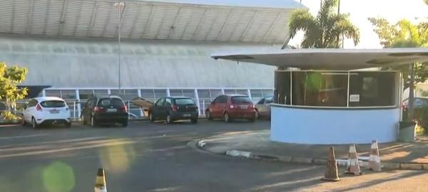Homem faz disparos com arma de fogo no estacionamento do Pronto Socorro do Campo Grande