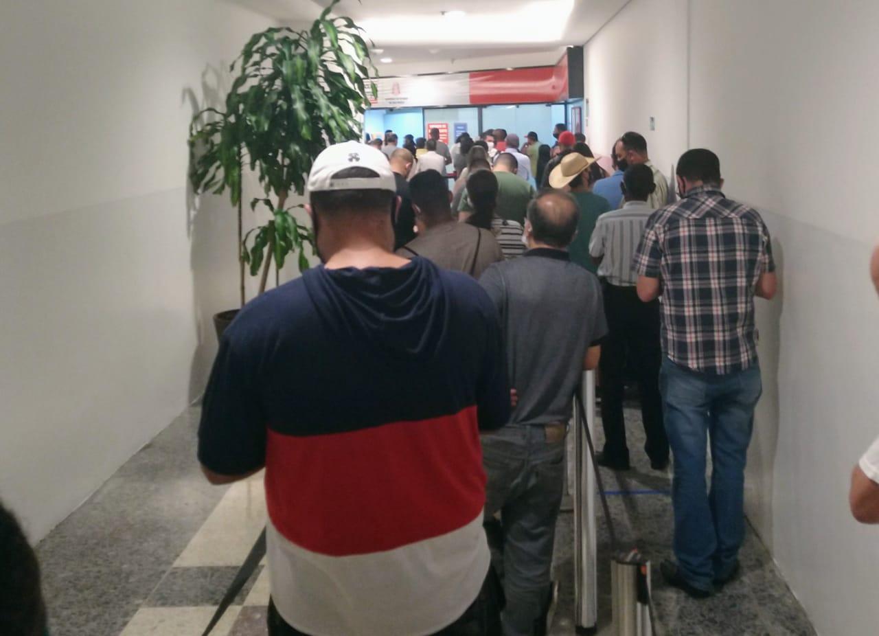 População continua indo no Poupatempo sem agendamento e lota Campinas Shopping