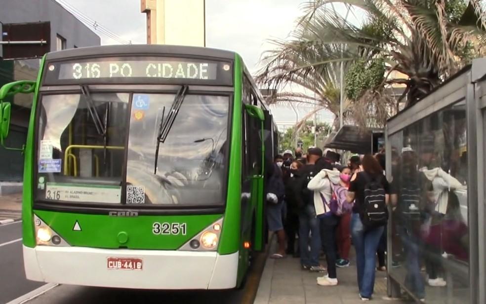 Novas matérias em emissora de TV continuam com erros e não resolvem lotação de ônibus em Campinas