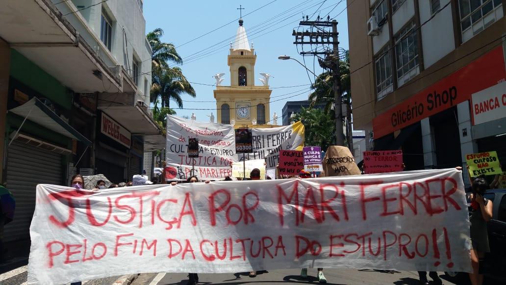 Protesto contra julgamento de Mariana Ferrer reúne 500 pessoas em Campinas