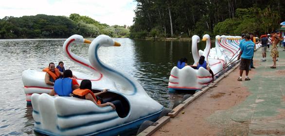 Pedalinhos da Lagoa do Taquaral passa a aceitar cartão de débito para pagamento