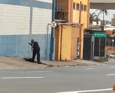 Segurança da Rodoviária de Campinas arrasta homem pela rua; Truculência é comum no local