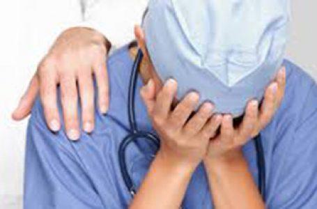 Suicídio entre médicos aumenta – O que está acontecendo com os médicos e estudantes de medicina?