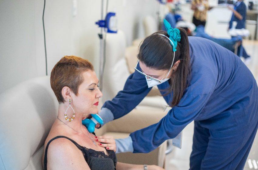Outubro Rosa: pacientes com câncer de mama crônico têm vida normal com tratamento adequado
