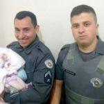 Boa do dia! PM de Piracicaba salva bebê engasgado